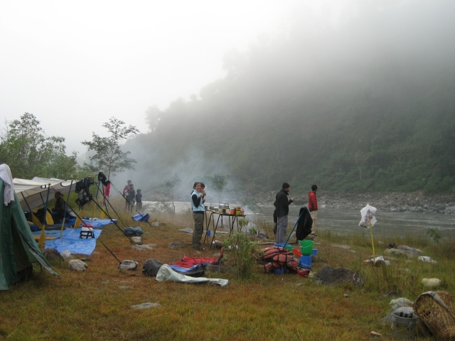 Calm, foggy morning along the Gandaki