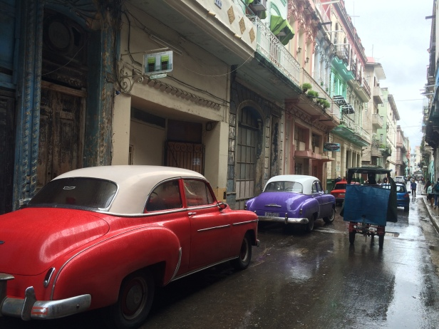 Colours and Cars in Havana