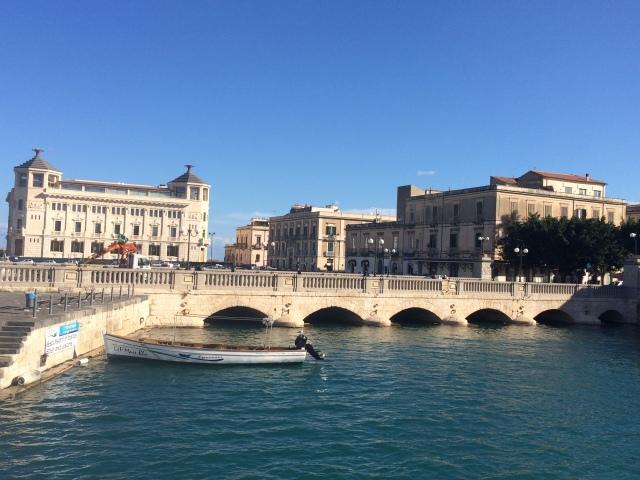 Linking Ortigia